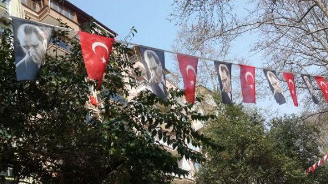 Photo of Türk Bayrağını astırmayan personel bu gücü kimden almaktadır?