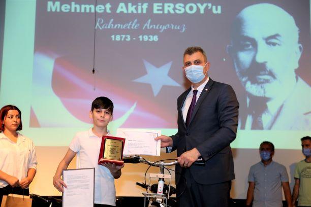 Mehmet Âkif'e Mektup Var yarışmasının ödül töreni yapıldı