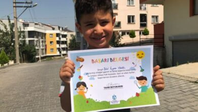 Okul öncesi çocuklara başarı belgesi