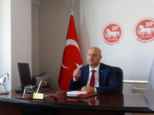 Demokrat Parti'de İl Başkanı Mustafa Nazlıgül,