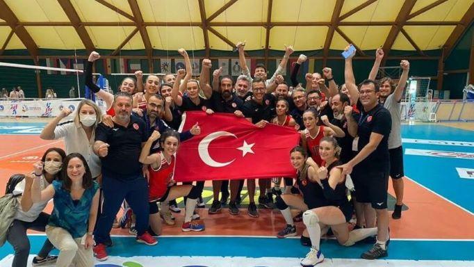 Türkiye İşitme Engelliler Kadın Voleybol Milli Takımı, namağlup dünya şampiyonu oldu